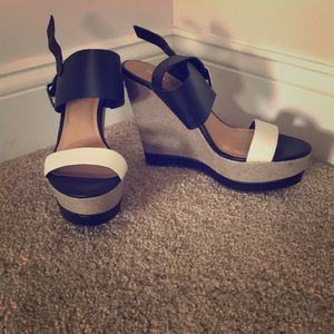 Report wedge sandals